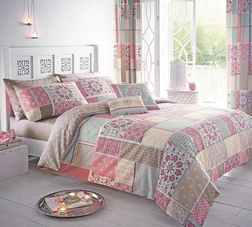 Colcha patchwork para habitación de matrimonio