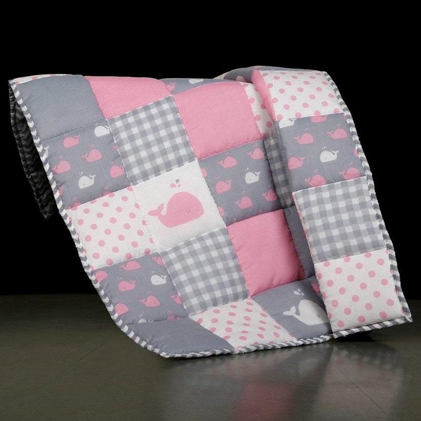 Colcha patchwork para bebés